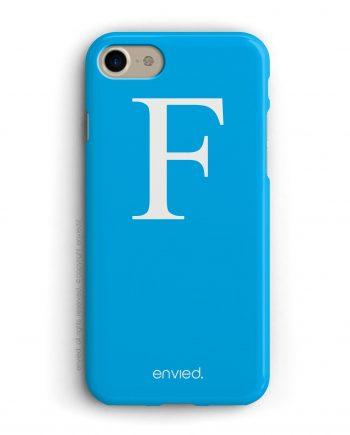 cover per iPhone con iniziale grande bianca e sfondo azzurro