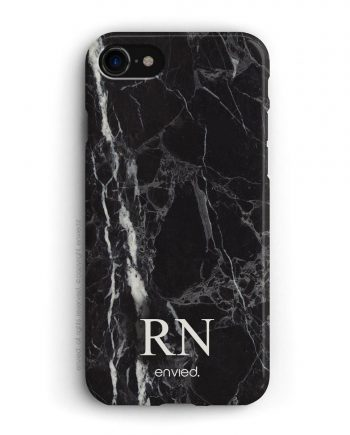cover per iPhone in marmo nero con iniziali basse